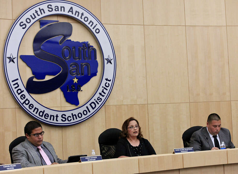 South San Antonio Independent School District Board President Rose Marie Martinez addresses a meeting. There is no state intervention in sight, and that's too bad. Photo: Edward A. Ornelas, San Antonio Express-News