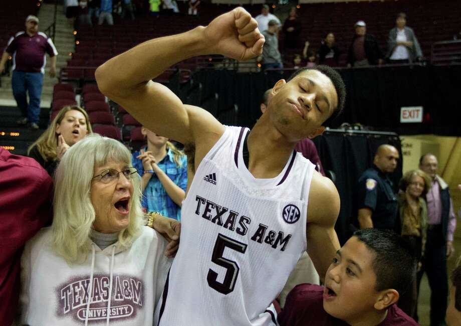 Texas A&M Jordan Green (5) and the Aggies are 6-0 for the first time since 2007. Photo: J. Patric Schneider, For The Chronicle / © 2013 Houston Chronicle