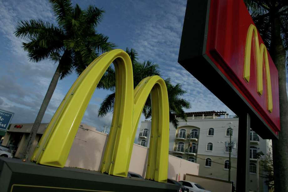 """McDonald's says it is equipping its kitchens with new """"assembly tables"""" that can accommodate more ingredients. The tables will also help improve the speed of service, which has become an issue for McDonald's as it has expanded its menu. Photo: Joe Raedle, Staff / 2013 Getty Images"""