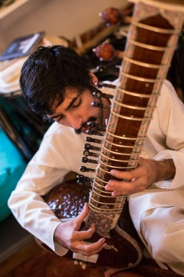 Arjun Kulharya, sitar player for Naan Violence