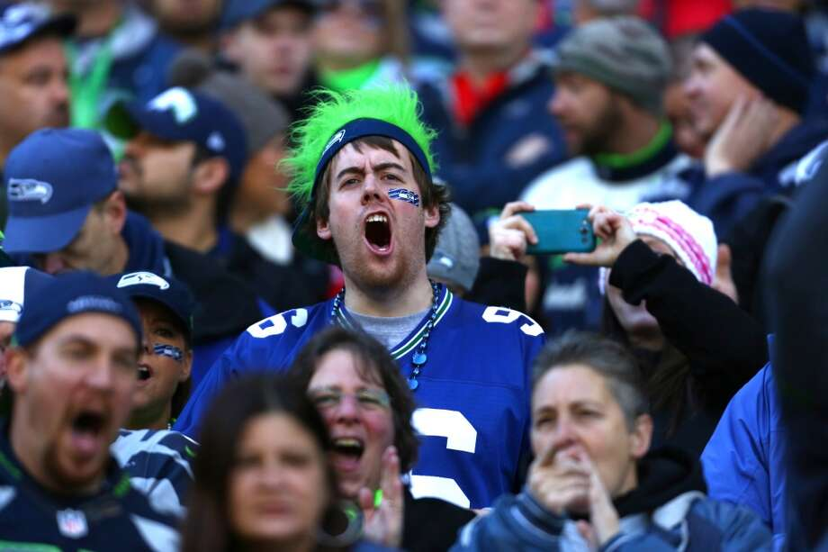 Seattle Seahawks fans cheer as the team takes on the Minnesota Vikings. Photo: JOSHUA TRUJILLO, SEATTLEPI.COM