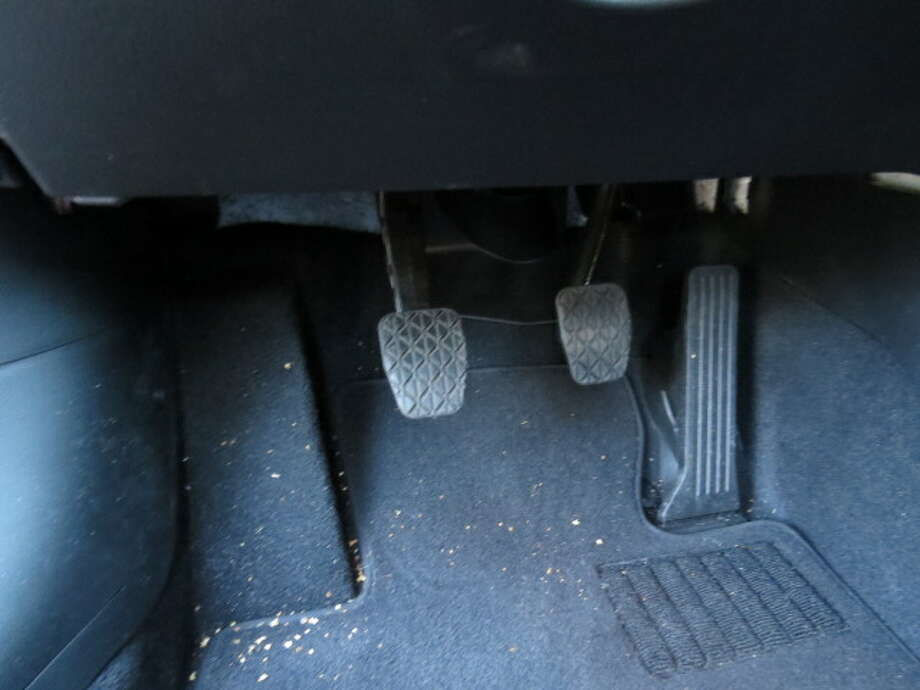The left edge of the clutch pedal is only two inches away from a block where your left foot is supposed to be when it's not stabbing the clutch pedal. It's too close to the clutch. Frequently, the left side of my shoe would hit the foot rest when I was pushing in the clutch. Translate this to a driver who is wearing a thick and wide boot – winter journeys, after all – and you have a problem.