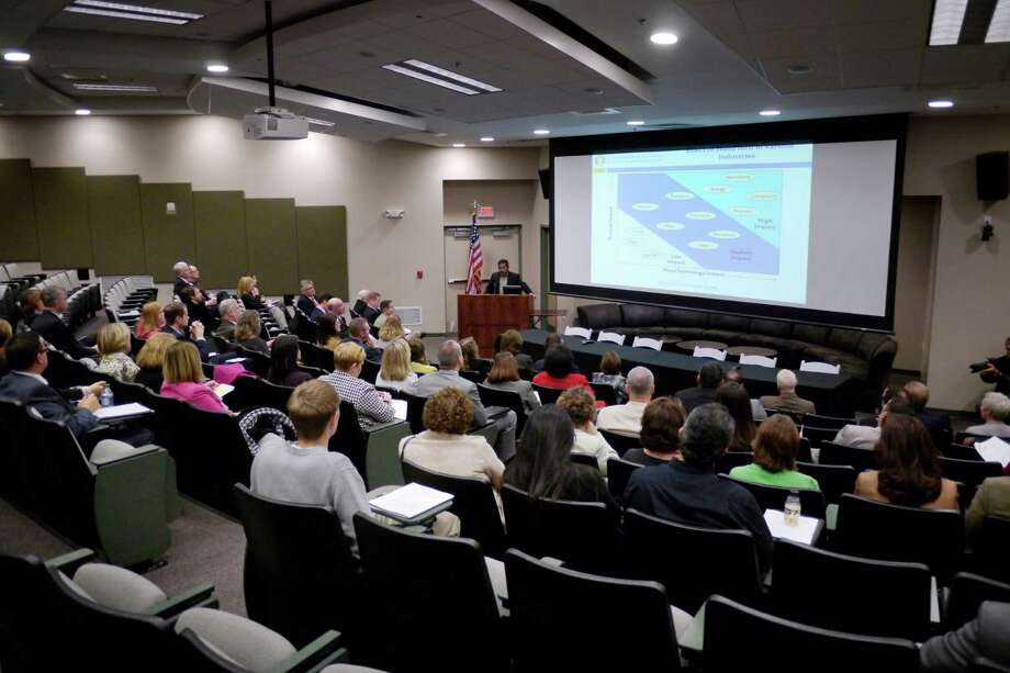Pradeep Haldar, vice president of entrepreneurship innovation and clean energy programs at CNSE, provides an overview of nanotechnology at the SUNY College of Nanoscale Science and Engineering on Monday, Nov. 18, 2013.    (Paul Buckowski / Times Union) Photo: Paul Buckowski / 00024678A