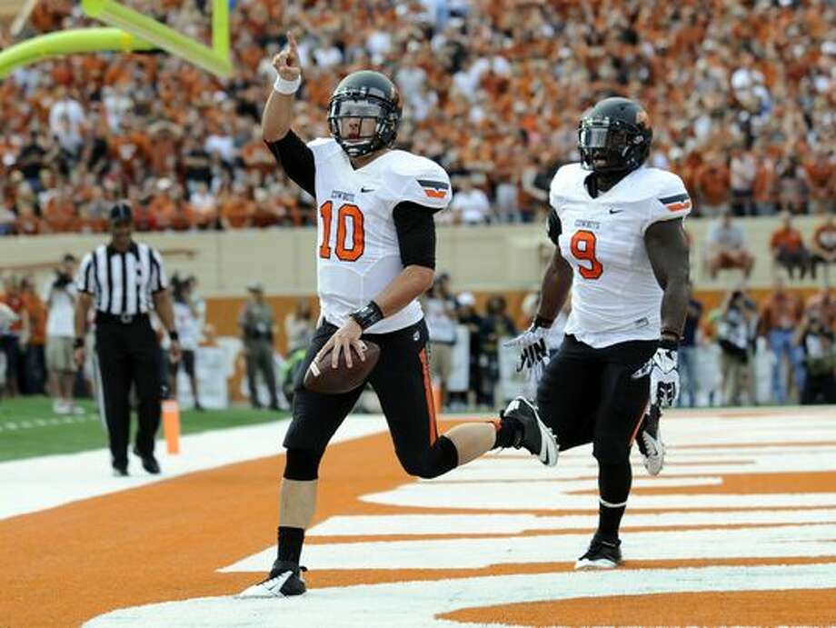Oklahoma St. takes six-game win streak into showdown with Baylor.