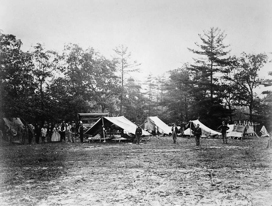 Wounded and staff at a field hospital at Getttysburg during the US Civil War, circa 1863. Photo: Kean Collection, Getty Images / 2010 Getty Images