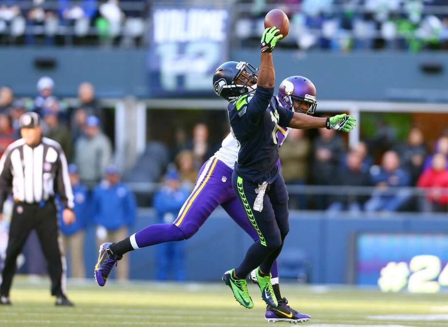Seattle Seahawks player Percy Harvin pulls down his first catch of the season against the Minnesota Vikings on Sunday, November 17, 2013 at CenturyLink Field in Seattle.  (Joshua Trujillo, seattlepi.com) Photo: JOSHUA TRUJILLO, SEATTLEPI.COM