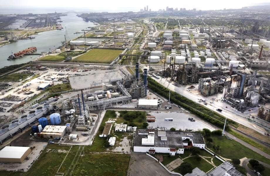 Refineries operate in Corpus Christi, TX, with Port Corpus Christi at left. Photo: Bob Owen, San Antonio Express-News