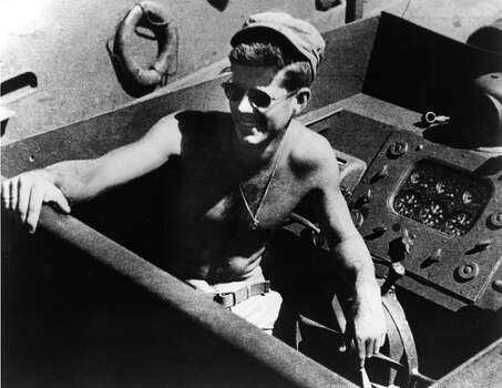 Naval Lieutenant and future President John F. Kennedy on board the torpedo boat PT-109 he commanded in the Southwest Pacific. Photo: MPI, Getty Images / Archive Photos