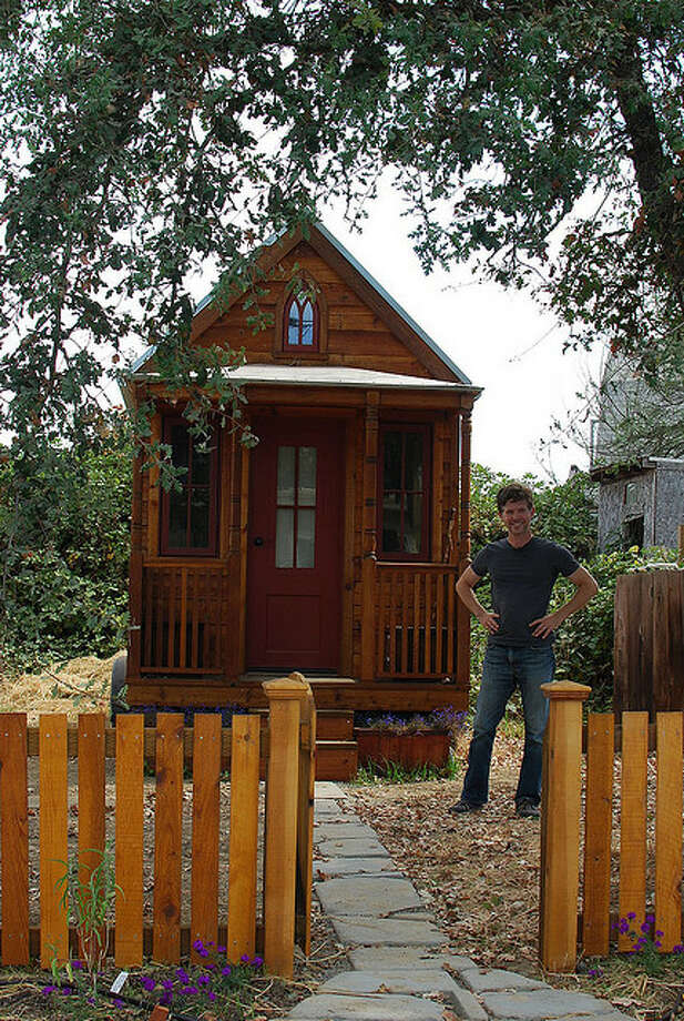 Some tiny houses resemble log cabins. Photo: Flickr Creative Commons/Nicolas Boullosa