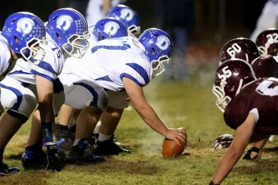 The game of the week lived up to the hype. Darien vs North Haven.Photo/ Mike Ross