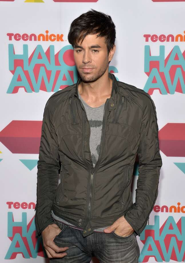 Singer Enrique Iglesias arrives at the 5th Annual TeenNick HALO Awards at Hollywood Palladium on November 17, 2013 in Hollywood, California. Photo: Charley Gallay, Getty Images For Nickelodeon
