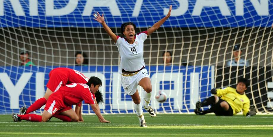 US Sydney Leroux (C) celebrates after scoring against North Korea during their FIFA U20 Women's World Cup 2008 final at the Municipal Florida Stadium on December 7, 2008. AFP PHOTO / Claudio Santana        (Photo credit should read CLAUDIO SANTANA/AFP/Getty Images) Photo: AFP/Getty Images