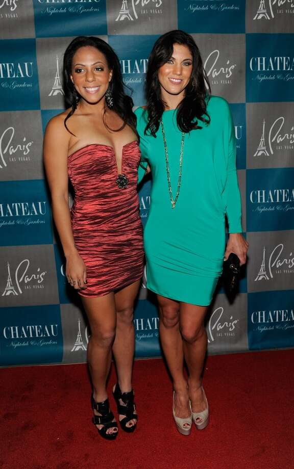 LAS VEGAS, NV - SEPTEMBER 28:  Olympic soccer players Sydney Leroux (L) and Hope Solo arrive at the Chateau Nightclub & Gardens at the Paris Las Vegas on September 28, 2012 in Las Vegas, Nevada.  (Photo by David Becker/WireImage) Photo: WireImage