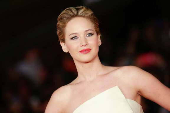 ROME, ITALY - NOVEMBER 14:  Actress Jennifer Lawrence attends the 'The Hunger Games: Catching Fire' Premiere during The 8th Rome Film Festival at Auditorium Parco Della Musica on November 14, 2013 in Rome, Italy.  (Photo by Vittorio Zunino Celotto/Getty Images)