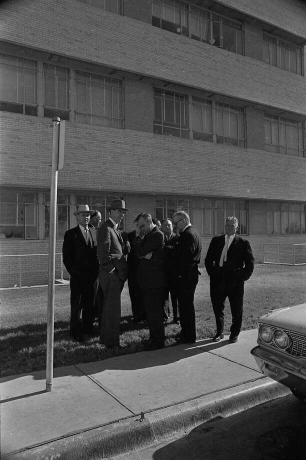 U.S. Rep. Jim Wright, third from left, outside Parkland Hospital. Photo: Houston Chronicle / Houston Chronicle