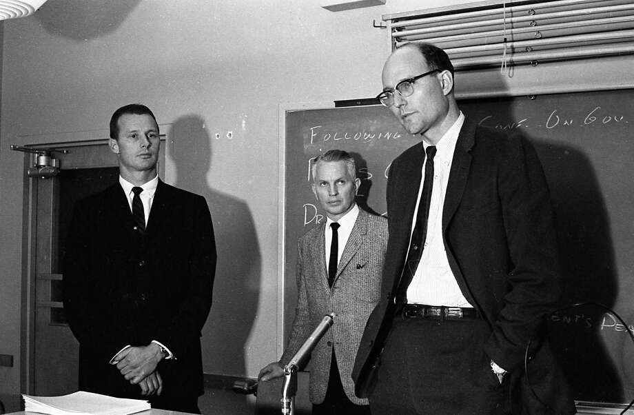 Dr. Malcolm Perry, left, and Dr. Kemp Clark, chief neurosurgeon at Parkland Hospital, right, at a news conference at the hospital in Dallas, Texas, Nov. 22, 1963. Perry was the first doctor to attend to President John F. Kennedy upon his arrival at the hospital. Photo: Houston Chronicle / Houston Chronicle