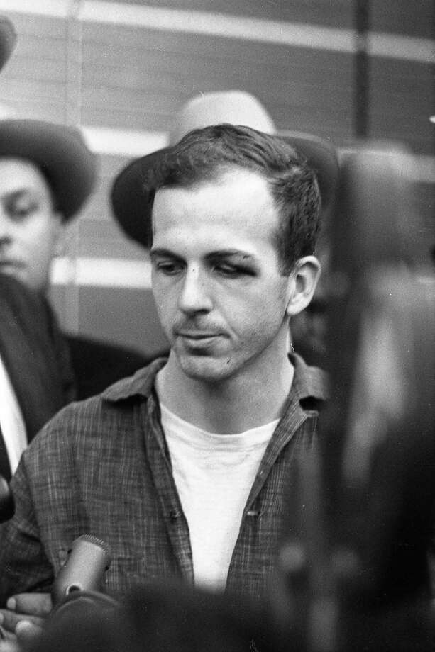 Lee Harvey Oswald at a news conference at Dallas Police Department headquarters. Photo: Houston Chronicle / Houston Chronicle