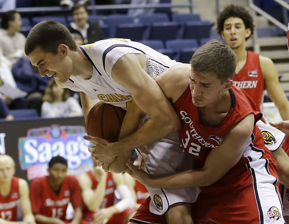 California 's David Kravish, left, battles for a rebound with Southern Utah 's Casey Oliverson (32) during the first half on an NCAA college basketball game on Monday, Nov. 18, 2013, in Berkeley, Calif. (AP Photo/Marcio Jose Sanchez) Photo: Marcio Jose Sanchez, Associated Press