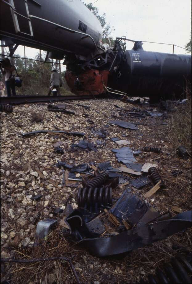 They moved about 35 of the 41 cars and then noticed the derailed caboose and engine. Photo: Houston Chronicle File Photo