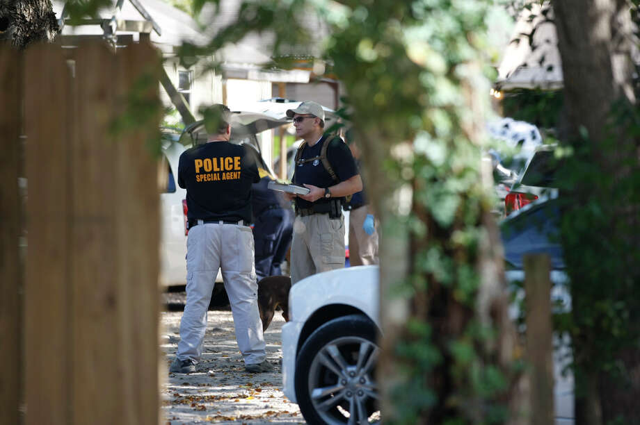 Homeland Security and US Immigration and Customs Enforcement investigate location off 13800 W. Orem on  Tuesday, Nov. 19, 2013. Photo: Johnny Hanson, Houston Chronicle / Houston Chronicle