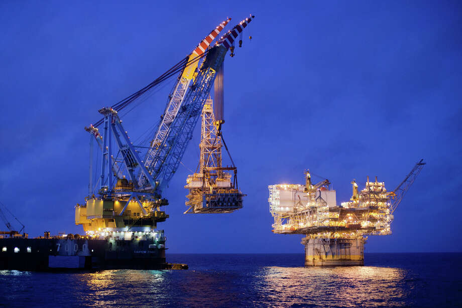 BP repairs its Mad Dog rig in the Gulf of Mexico in 2012. Photo: BP
