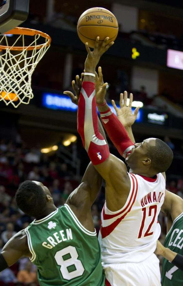 Rockets center Dwight Howard attempts a short shot against the Celtics. Photo: Brett Coomer, Houston Chronicle