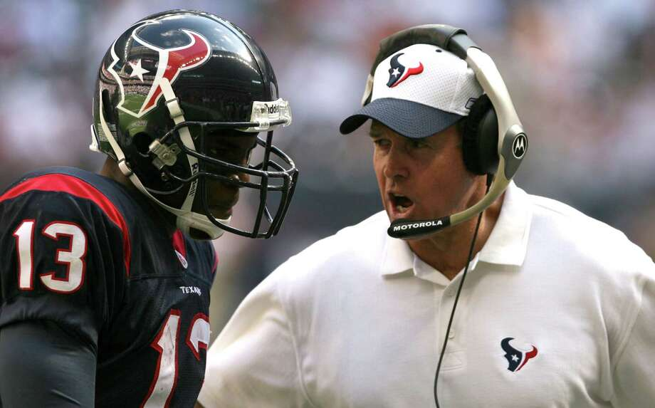 The not so good old days of 2005, the last time the Texans were struggling like they are now, saw the Dom Capers era coming to an end as the 2-14 team had only one Pro Bowler in return man Jerome Mathis, left. Photo: Nick De La Torre, STAFF / HOUSTON CHRONICLE