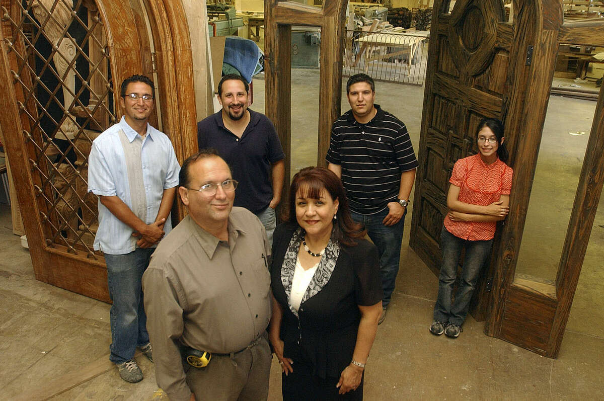 Expert craftsman Victor Hugo Salas will get the Master Craftsman Award.