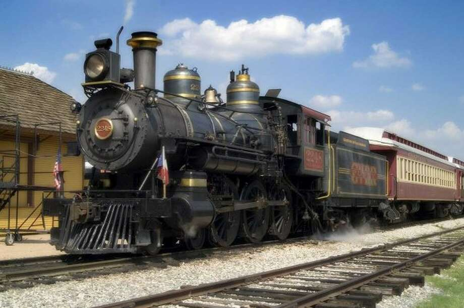 The Grapevine Vintage Railroad travels from downtown Grapevine to the Fort Worth Stock Exchange. / ONLINE_YES
