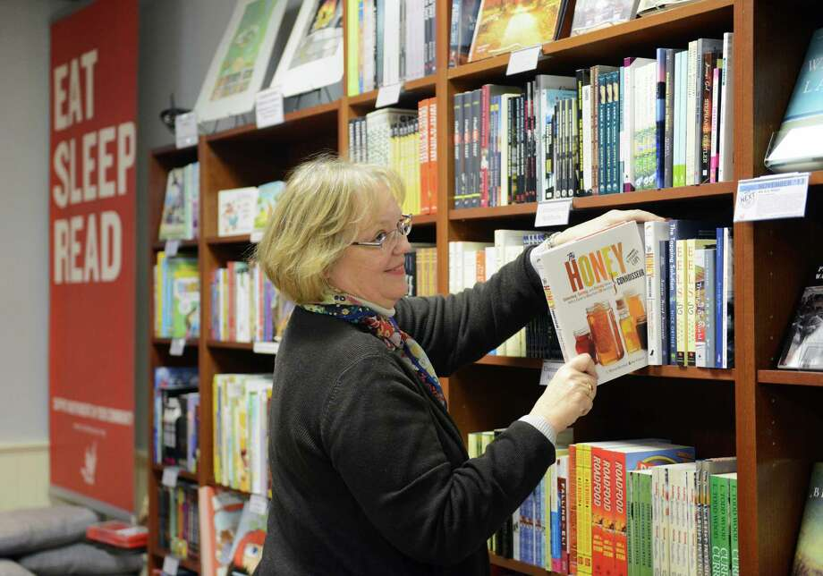 About 88 percent of wealthy individuals read at least 30 minutes a day for education or career reasons and 2 percent of poor individuals do the same.Source: Dave Ramsey Photo: Tyler Sizemore / The News-Times