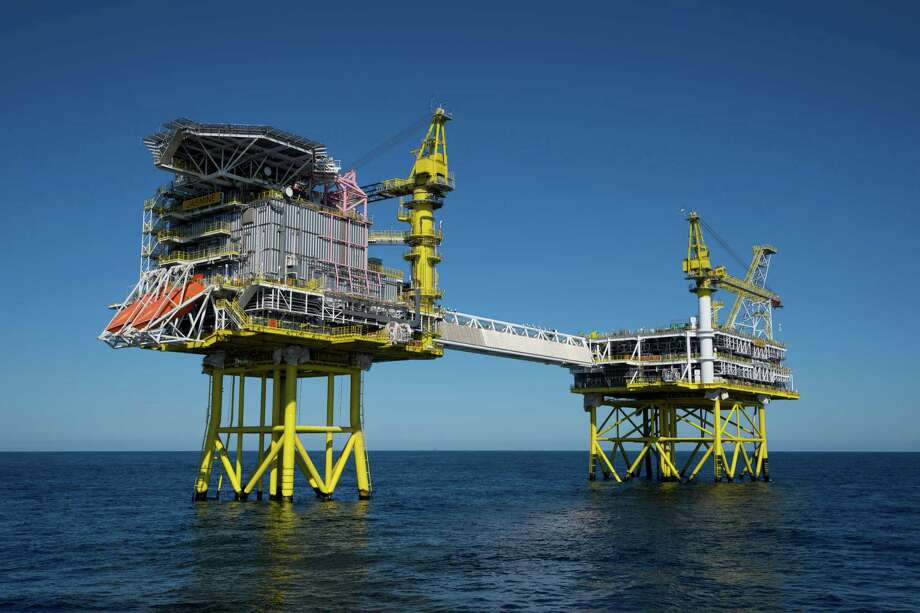A platform works on ConocoPhillips' Jasmine Field project in the North Sea. Photo: GARTH HANNUM / CONOCOPHILLIPS
