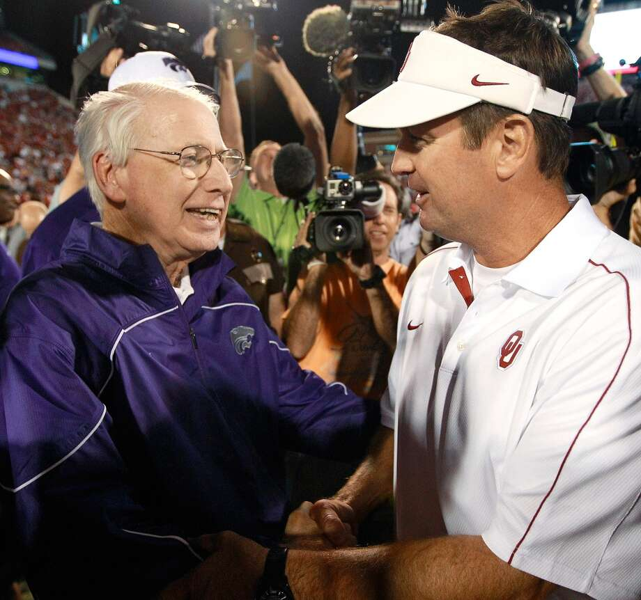 Snyder and Stoops revisit in long-running Big 12 rivalry.