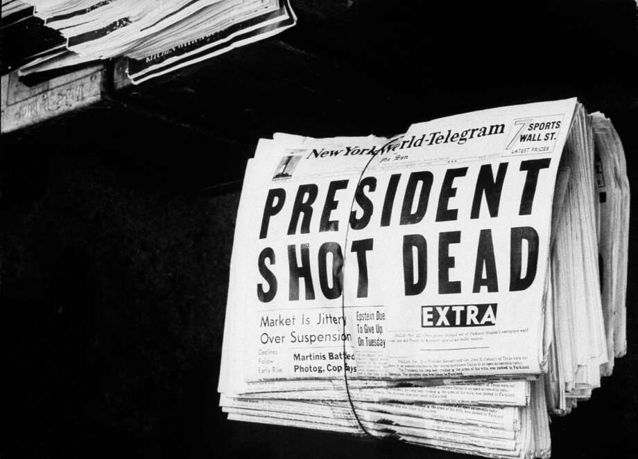 On November 22, 1963, the world was shocked by the death of President John F. Kennedy, here's how they read the news in newspapers across the country and the world: Photo: Herb Scharfman, Getty Images / Herb Scharfman