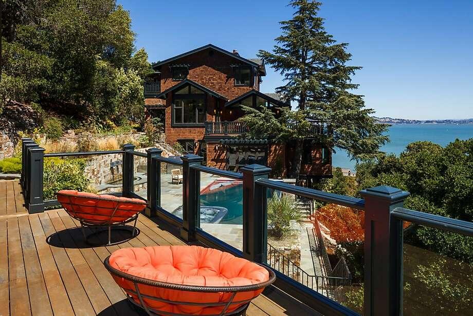 The cottage overlooks Paradise Cove. Photo: Jacob Elliott Photography