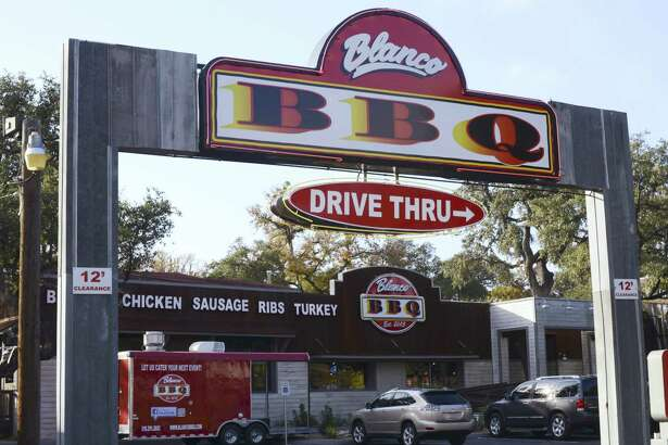 The drive-through lane and adjacent parking lot often fill up during busy weekends and even many lunches.