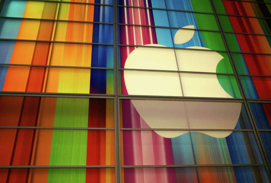 35. AppleGlassdoor rating: 3.8/5This technology powerhouse has headquarters in Cupertino, California. Photo: KIMIHIRO HOSHINO, Stringer / AFP