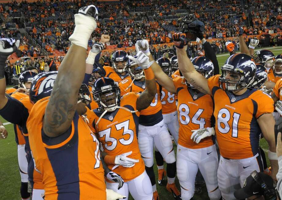 Denver (9-1) minus-2 ½ at New England (7-3):  Broncos 30-27 Photo: Jack Dempsey, Associated Press