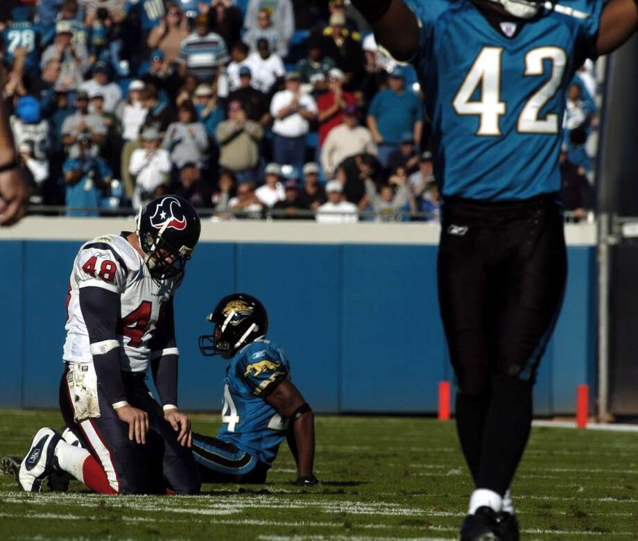 Jaguars 27, Texans 0 Dec. 7, 2003   The Texans were shut out as Dave Ragone was only able to complete 11 of his 23 passes for 71 yards. Houston was also only able to manage 70 yards on the ground. Photo: Karl Stolleis, Houston Chronicle