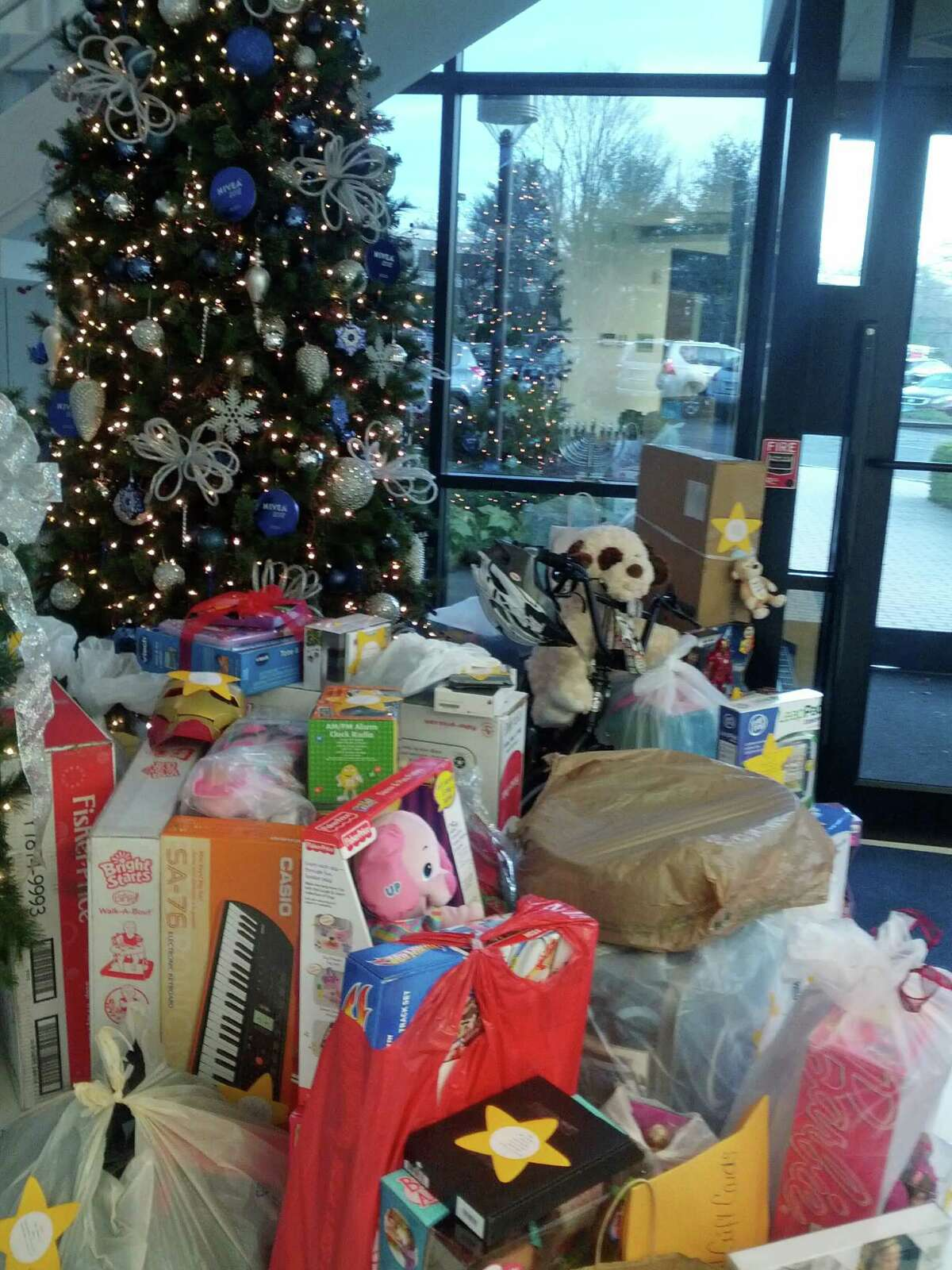 The Human Services Councilís Childrenís Connection is seeking donations for Childrenís Bank, its annual holiday toy drive.