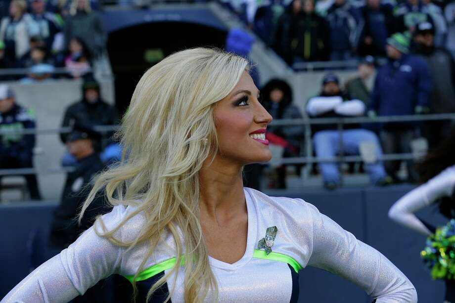 A Seattle Seahawks Sea Gals cheerleader performs Nov. 17, 2013. Photo: Ted S. Warren, Associated Press / AP