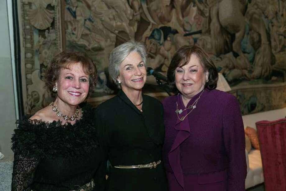 Regina Rogers, Anne Mendelsohn and Rose Cullen Photo: Shmulik Almany