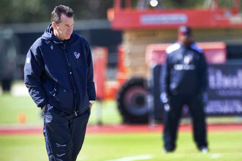 These must be lonely times for Texans coach Gary Kubiak, who in the wake of a mini-stroke must contemplate how shaky his job security is. Photo: Brett Coomer, Staff / © 2013  Houston Chronicle