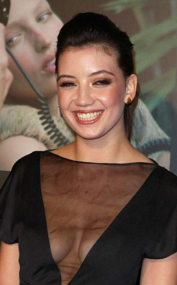 Daisy Lowe attends the cocktail reception for the launch of the 2010 Pirelli Calendar at Old Billingsgate Market on November 19, 2009 in London, England. Photo: Fred Duval, Getty Images / 2009 Fred Duval