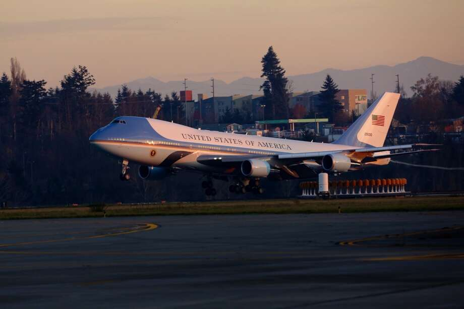 President Barack Obama arrives on Air Force One before attending two Seattle fundraisers on Sunday, Nov. 24, 2013. Photo: JORDAN STEAD, SEATTLEPI.COM