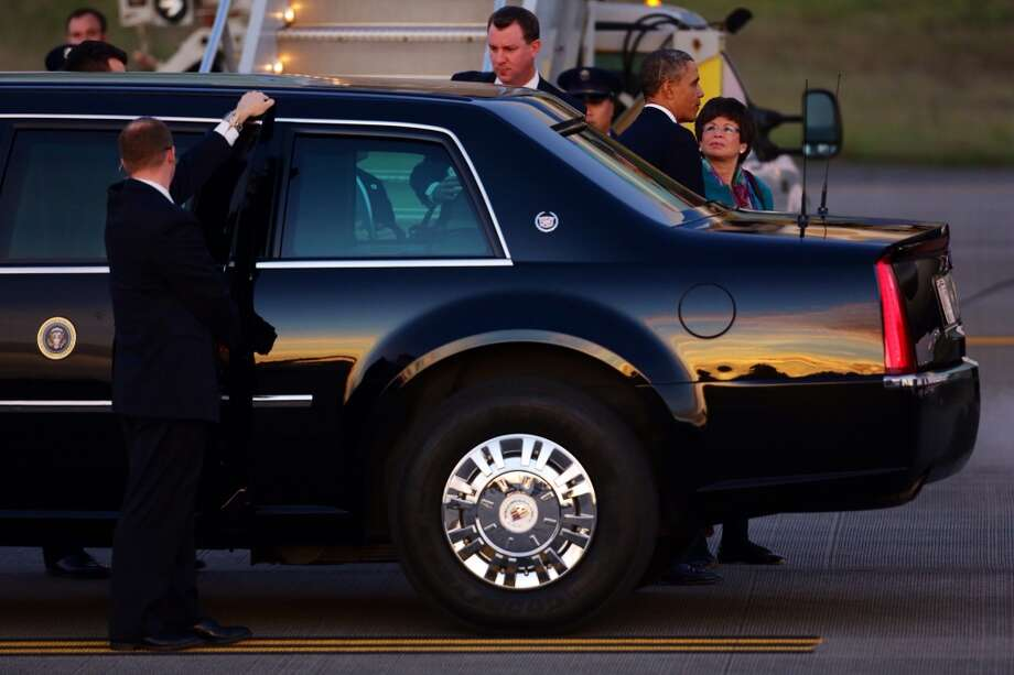President Barack Obama steps off of Air Force One before attending two Seattle fundraisers Sunday, Nov. 24, 2013, in SeaTac. Photo: JORDAN STEAD, SEATTLEPI.COM