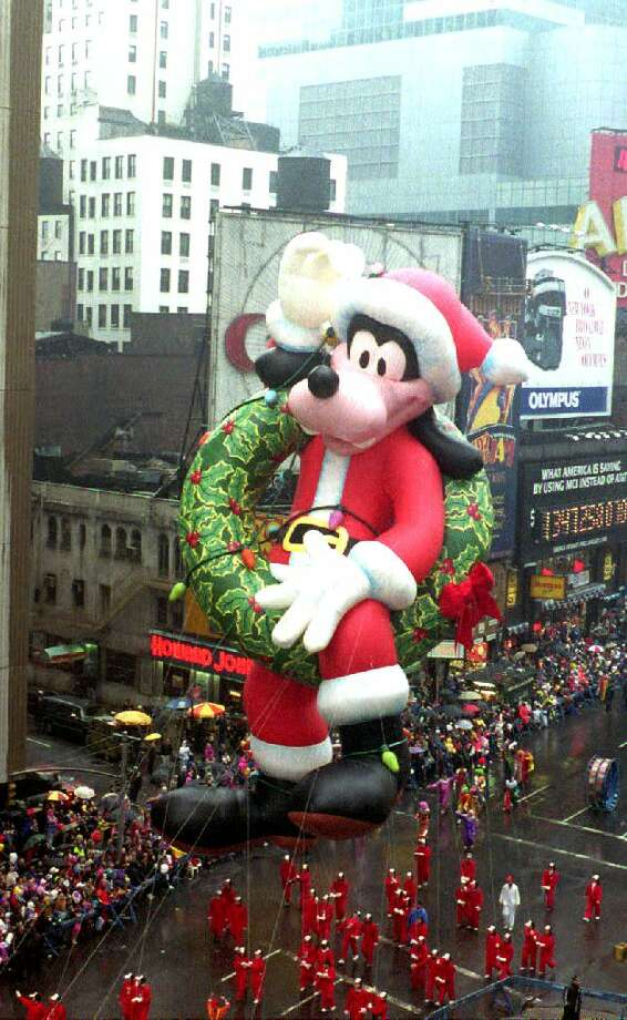 A Christmas Goofy balloon makes its way down Broadway on Nov. 26, 1992. Goofy was the new balloon among 16 in the 66th annual Macy's Thanksgiving Day Parade. Photo: DON EMMERT, Getty Images / AFP