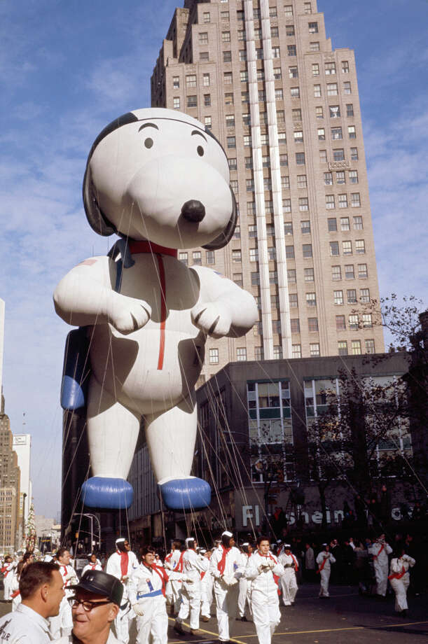 The Snoopy balloon passes over the crowd during 1970 Macy's Thanksgiving Day Parade. Photo: NBC, Getty Images / © NBC Universal, Inc.