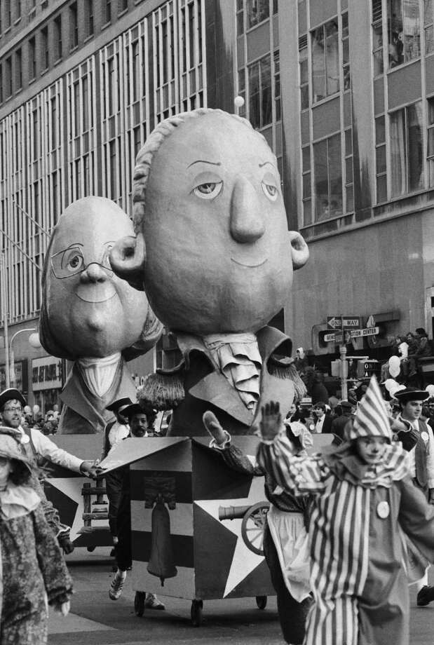A float featuring Benjamin Franklin and George Washington passes by the crowd during the 1982 Macy's Thanksgiving Day Parade. Photo: NBC, Getty Images / © NBC Universal, Inc.