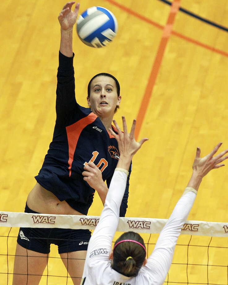McKenzie Adams helped UTSA win the Conference USA tournament and was named the event's MVP.