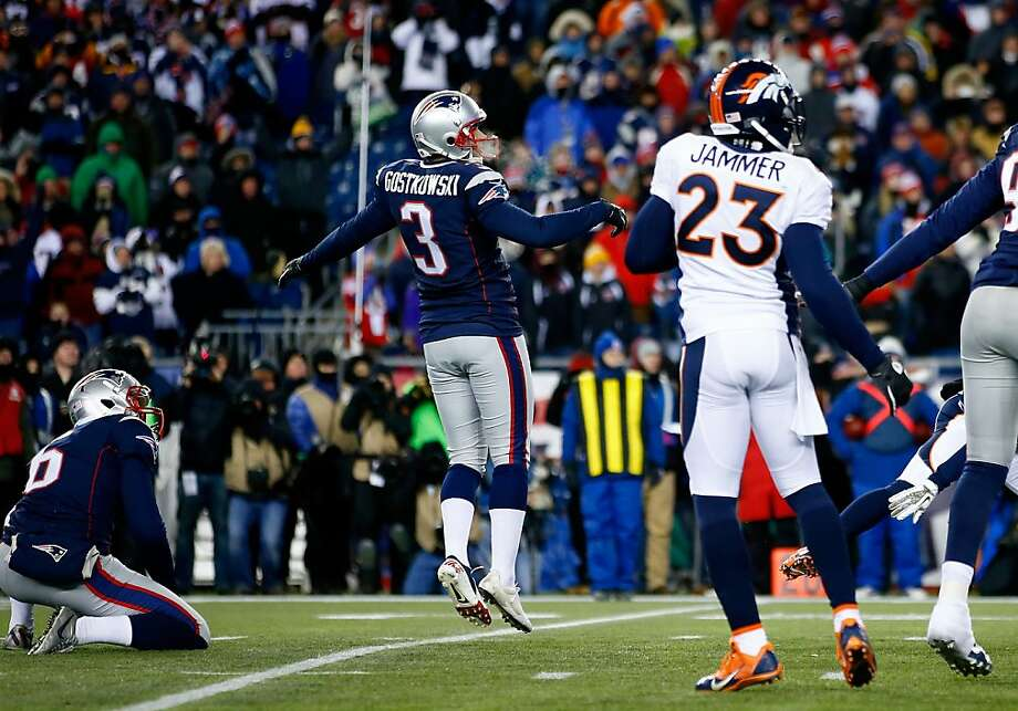 Stephen Gostkowski (3) watches his 31-yard-field goal complete the Patriots' overtime win. Photo: Jared Wickerham, Getty Images